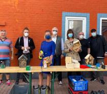 Bienenhotels gebaut und über Demokratie gesprochen