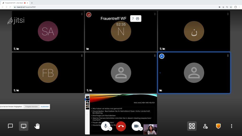 """Die Gespräche finden online statt ( Frauentreff über das Video-Telefon-Portal """"Jitsi Meet"""" mit Tatiana Perez-Aristi) - man sieht einen Bildschirm mit anonymisierter Darstellung der Teilnehmerinnen"""